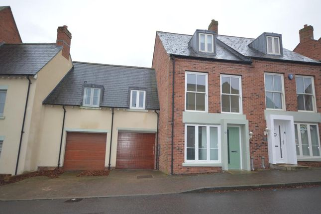 4 bed property to rent in Village Drive, Lawley Village, Telford TF4