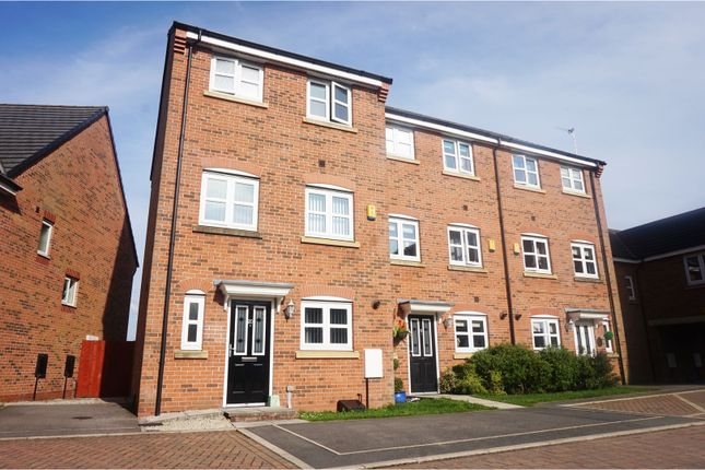 Thumbnail Town house for sale in Hydrangea Close, Westhoughton, Bolton