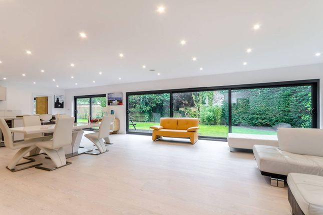 5 bed detached house for sale in Winchester Close, Kingston
