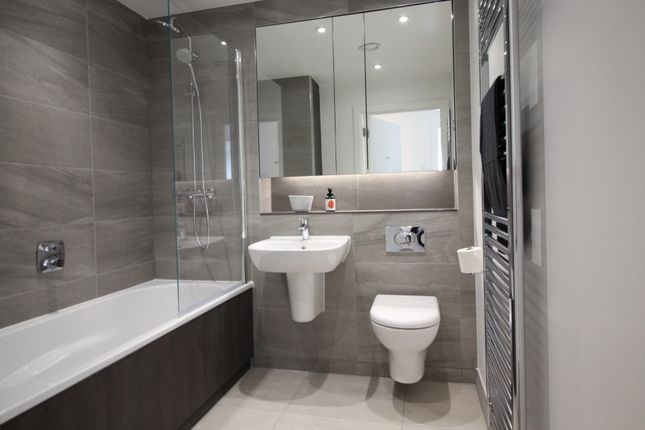 Bathroom of 3, Lockside Lane, Salford M5