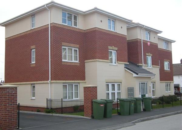 Thumbnail Flat to rent in Kingham Close, Twickenham Drive, Leasowe