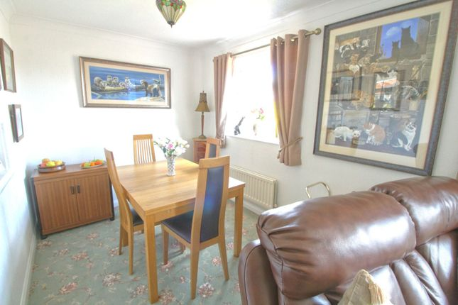Dining Area of Hoylake Avenue, Walton, Chesterfield S40