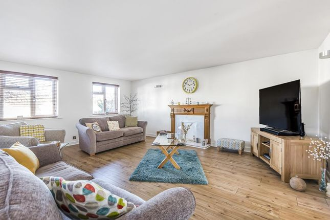 Living Area of Kidlington, Oxfordshire OX5