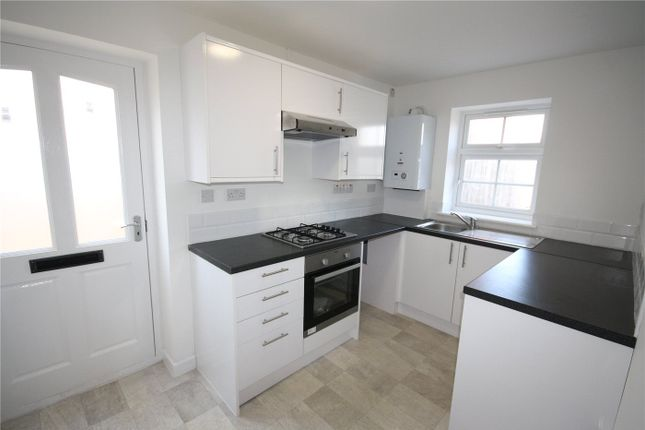 2 bed flat to rent in Stroud Close, Bourne, Lincolnshire PE10