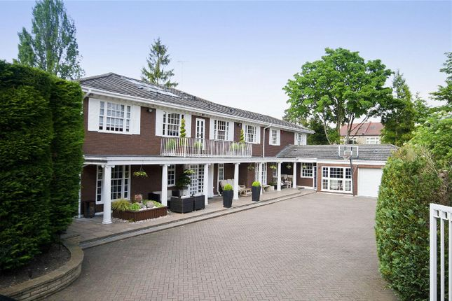 Thumbnail Detached house for sale in Seymour Close, Hatch End, Middx
