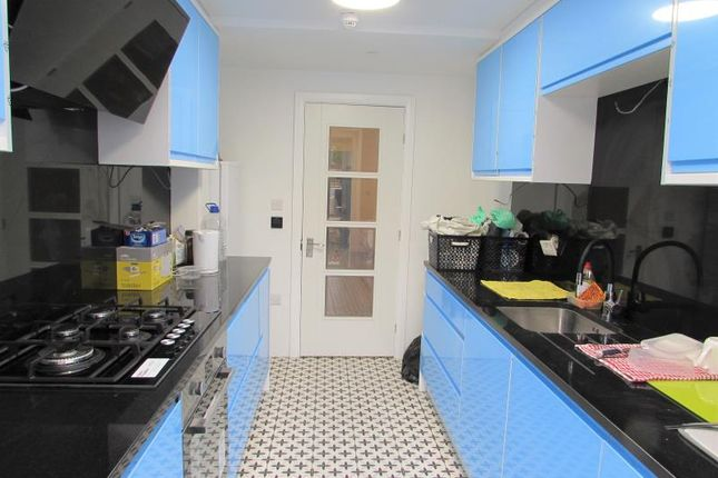 Thumbnail Room to rent in Burnt Oak Broadway, Edgware, Middlesex