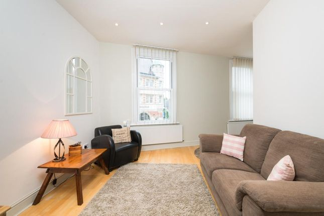 1 bed flat to rent in High Street, Wimbledon