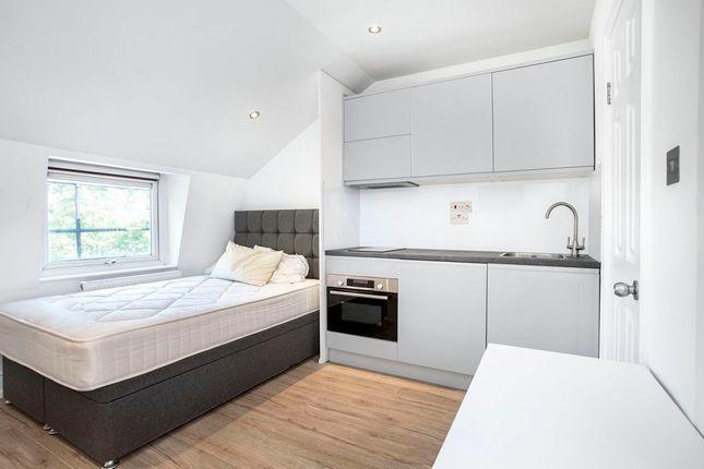 Studio to rent in Queensborough Terrace, London W2