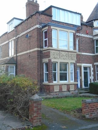Thumbnail Flat to rent in Morritt Avenue, Leeds