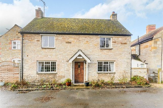 Thumbnail Cottage for sale in Mill Lane, Halford, Shipston-On-Stour, Warwickshire