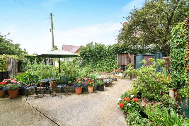 Thumbnail Detached bungalow for sale in Fallon Lane, Bretforton, Evesham