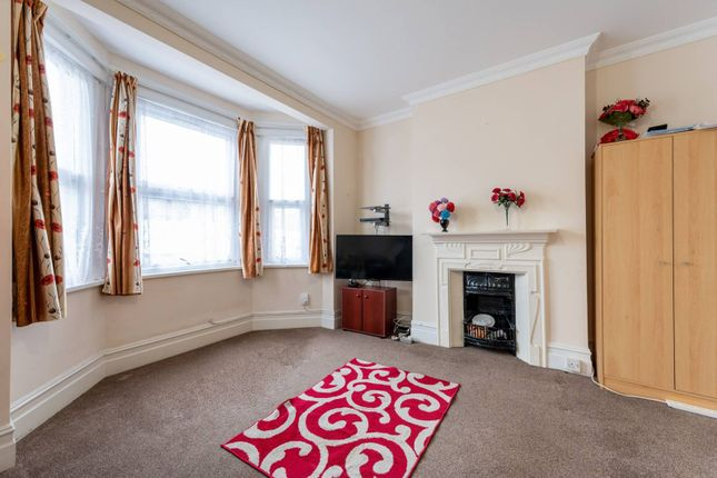 4 bed flat for sale in Francis Road, Croydon CR0