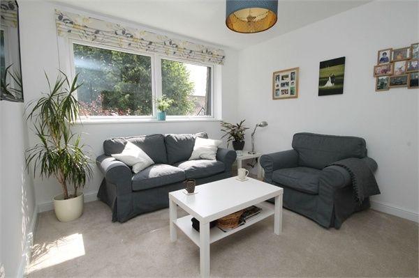 Thumbnail Flat for sale in 30 Onslow Gardens, Wallington, Surrey