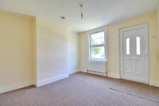 Thumbnail Cottage to rent in Montague Road, Uxbridge, Middlesex