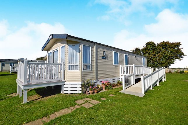 Thumbnail Bungalow for sale in Reach Road, St. Margarets-At-Cliffe, Dover
