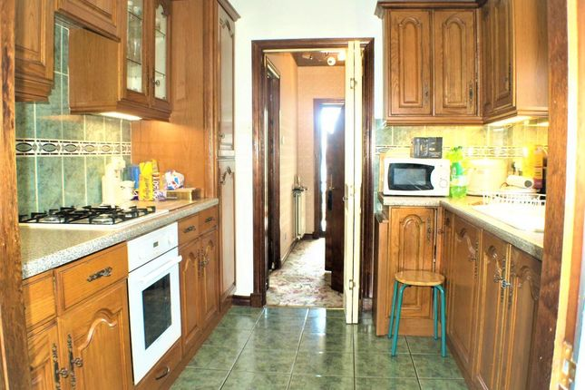 Kitchen of Noble Avenue, Invergowrie, Dundee DD2