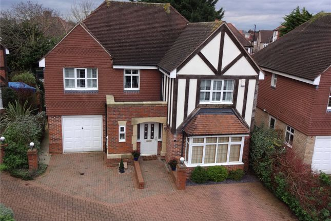Thumbnail Detached house for sale in Griffins Close, Winchmore Hill