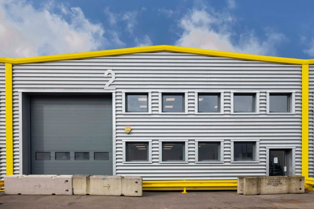 Thumbnail Warehouse to let in Europa Trade Park, Cody Road, London