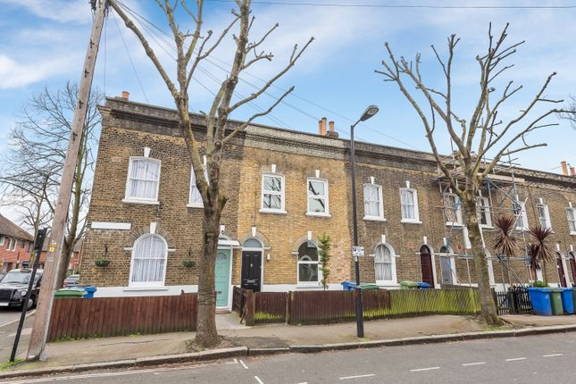 2 bed terraced house for sale in Simms Road, London SE1