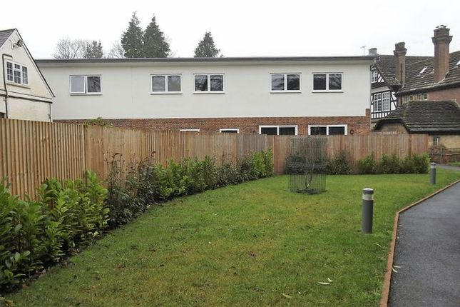Thumbnail Flat to rent in Felcourt Road, Felcourt, East Grinstead