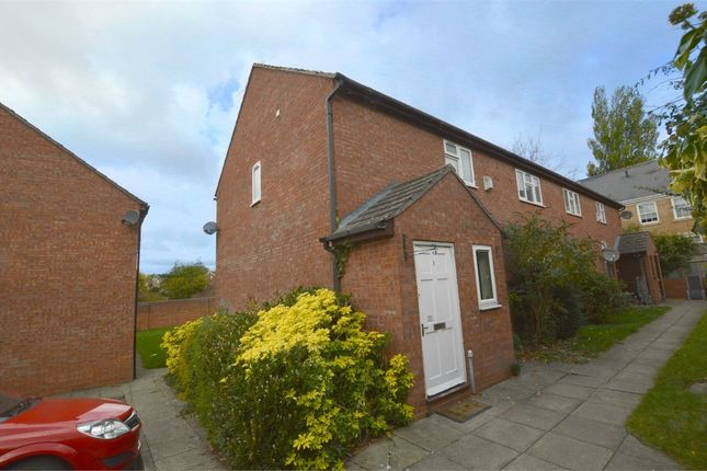Thumbnail Flat to rent in Arnold Close, Town Centre, Rugby, Warwickshire