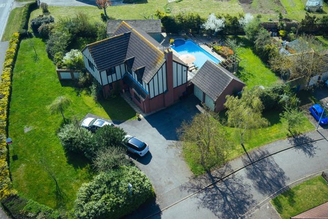Thumbnail Detached house for sale in Thatchers Croft, Latchingdon, Chelmsford