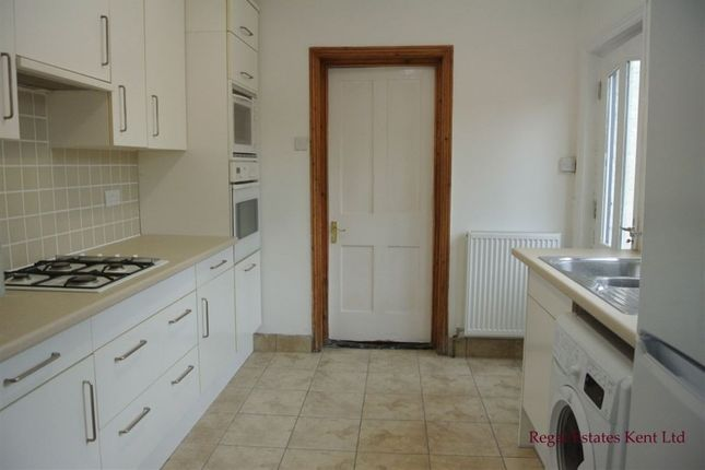 4 bed property to rent in Martyrs Field Road, Canterbury