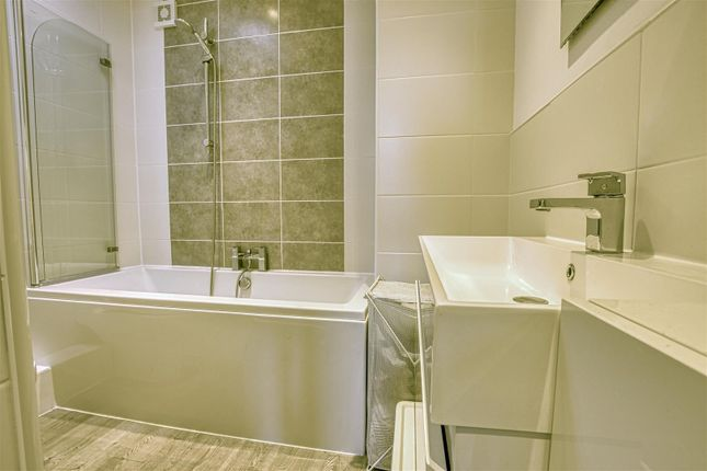 Family Bathroom of Torworth Road, Borehamwood WD6