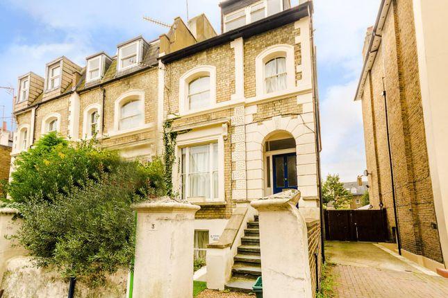 Thumbnail Flat to rent in St Leonards Road, Surbiton