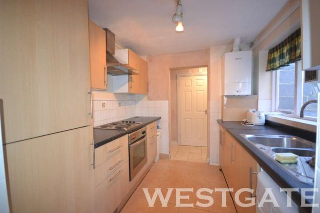 Terraced house to rent in Mount Pleasant, Reading