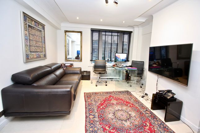 2 bed flat to rent in Park West, Edgware Road, Paddington, London