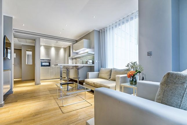 Thumbnail Flat to rent in Three Quays Apartments, Lower Thames Street, London