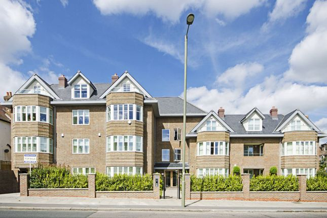 Thumbnail Flat for sale in Queens Road, Hendon