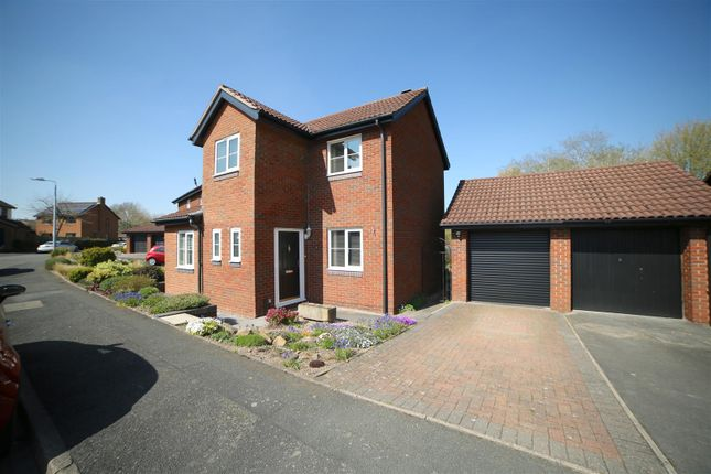 3 bed detached house for sale in Ferndale Drive, Priorslee TF2