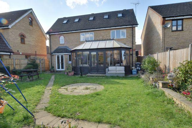 Thumbnail Detached house for sale in Lomond Way, Stevenage, Hertfordshire