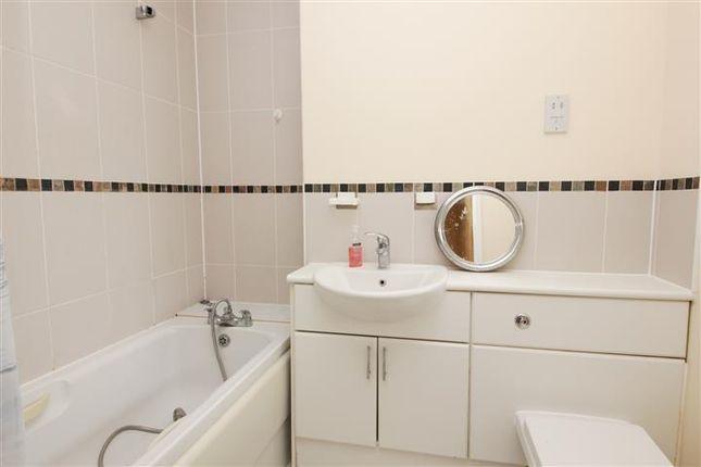 Bathroom of Fleet Street, Brighton BN1