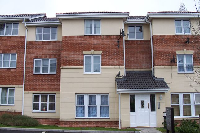 Flat to rent in Princes Gate, West Bromwich
