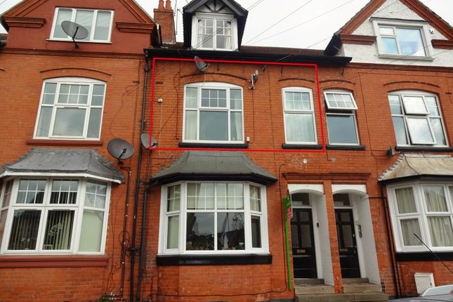 Thumbnail Flat for sale in 15 Glenfield Road, Leicester
