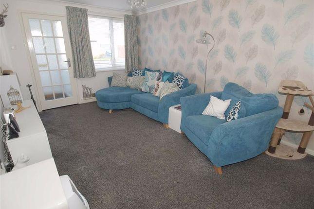 Lounge Cont'd of Winshields, Cramlington NE23