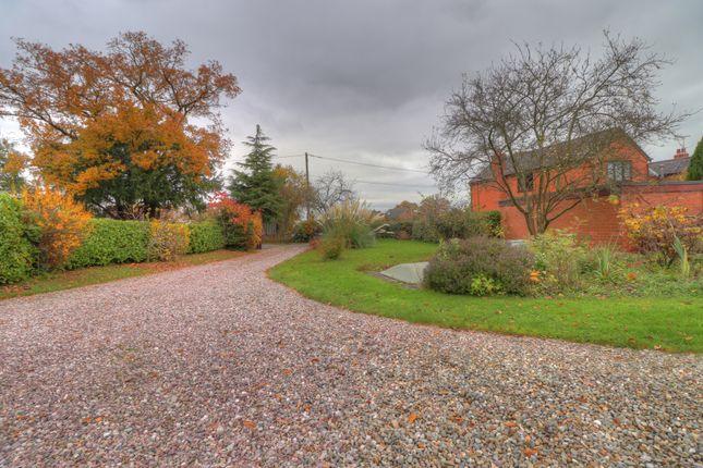 Driveway of Crabtree Green, Wrexham LL13