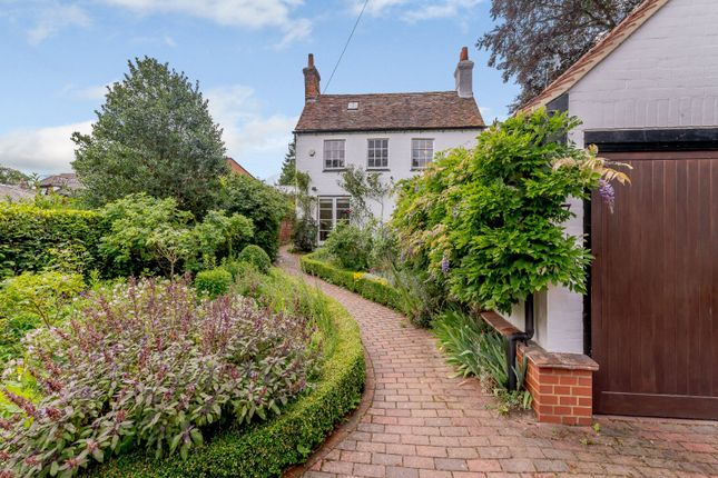 Thumbnail Detached house for sale in Leyton Green, Harpenden