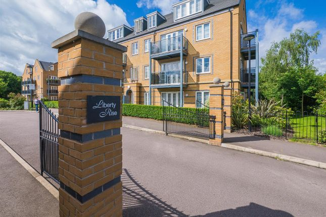 Thumbnail Flat for sale in Constables Way, Hertford