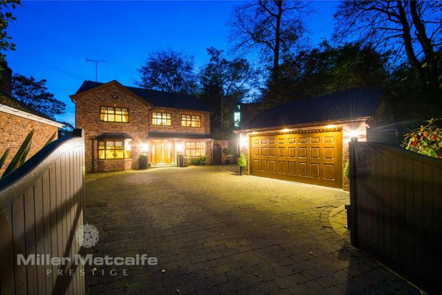 4 bedroom detached house for sale in Chatsworth Road, Worsley, Manchester