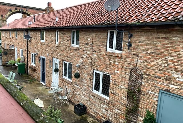 Thumbnail Cottage to rent in High Street, Yarm