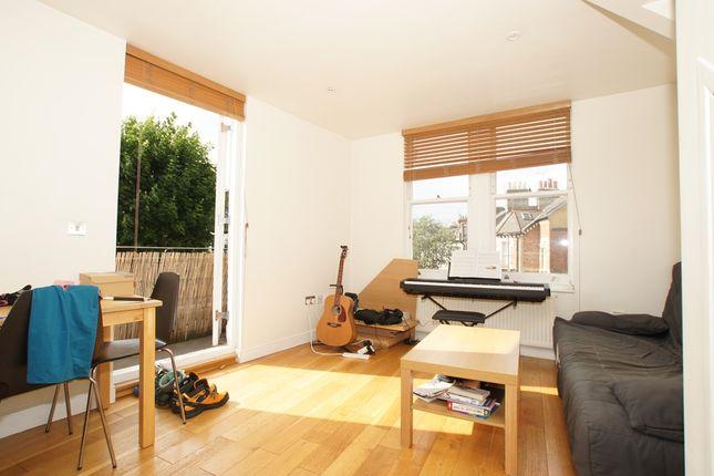 1 bed duplex to rent in Taybridge Road, Clapham