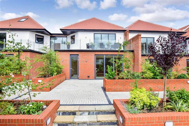 Thumbnail Flat for sale in Eden Lodges, Chigwell, Essex