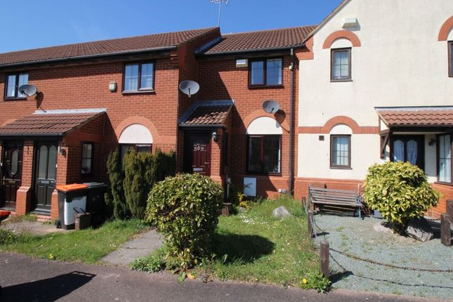 2 bed terraced house to rent in Cromer Way, Luton LU2