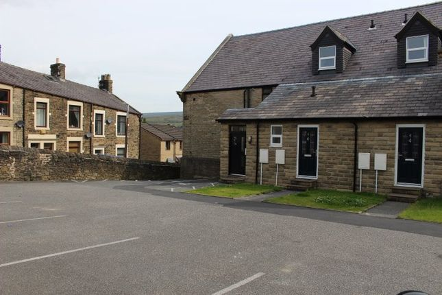 Thumbnail Flat to rent in Victoria Court, Victoria Street, Glossop