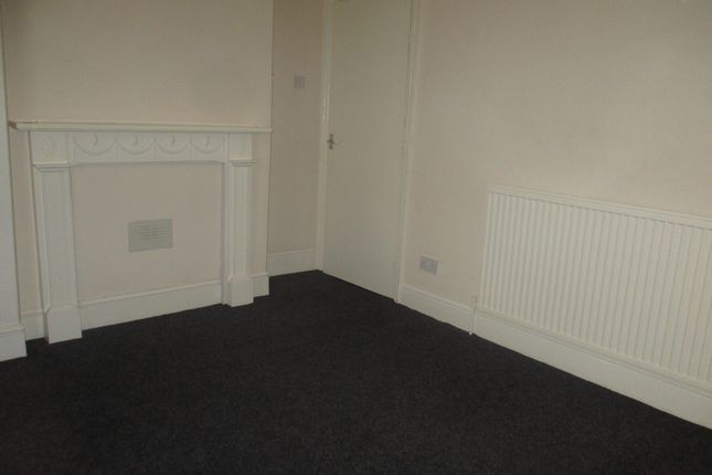 Thumbnail Flat to rent in Woodhouse Road, Sheffield
