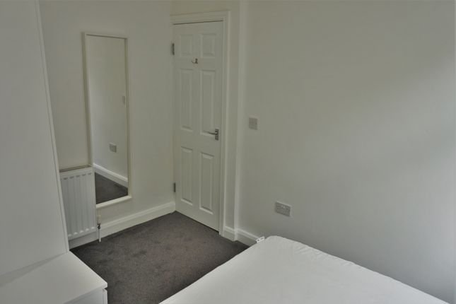 Bedroom of Aberford Road, Woodlesford LS26